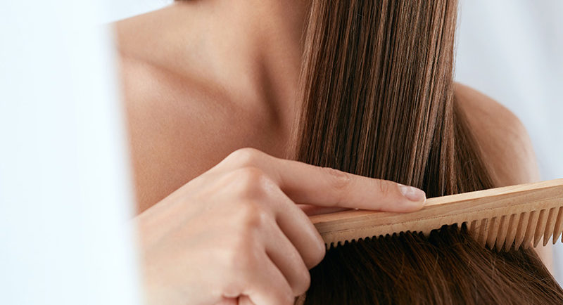 Tips για να αντιμετωπίσεις το φριζάρισμα στα μαλλιά