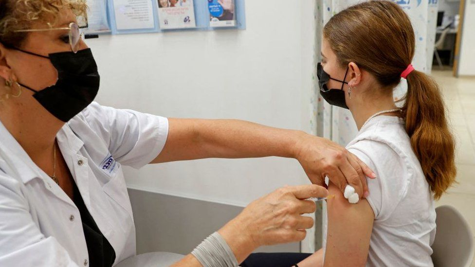 Παιδί και εμβόλιο κορωνοϊου: Τι γίνεται αν οι γονείς διαφωνούν μεταξύ τους